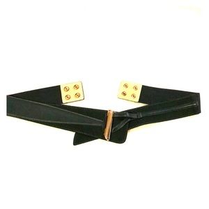 Medium size belt. New, but never used & no tags.